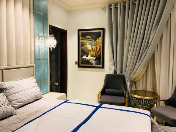 Gold crest apartment picture