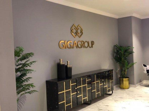 Gold crest-reception
